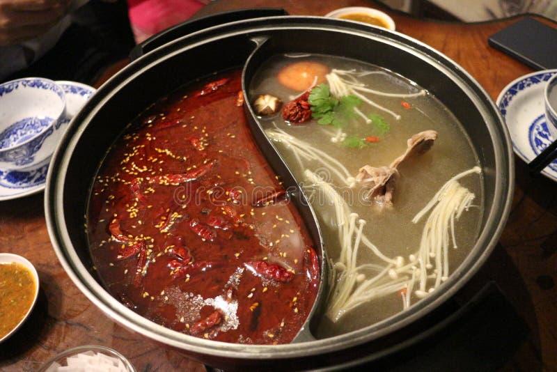 Il sukiyaki di stile cinese con la salsa di Mala e Sichuan pepano fotografia stock