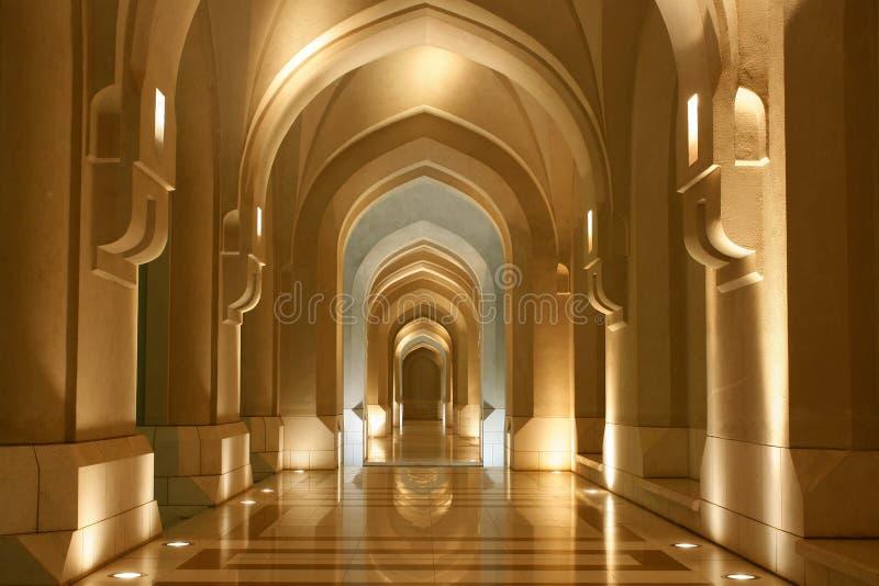 Il sultanato dell'Oman, Archway - architettura orientale immagini stock