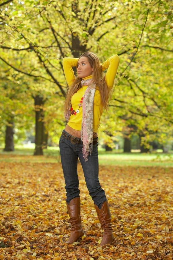 Il suo autunno! 2 fotografia stock