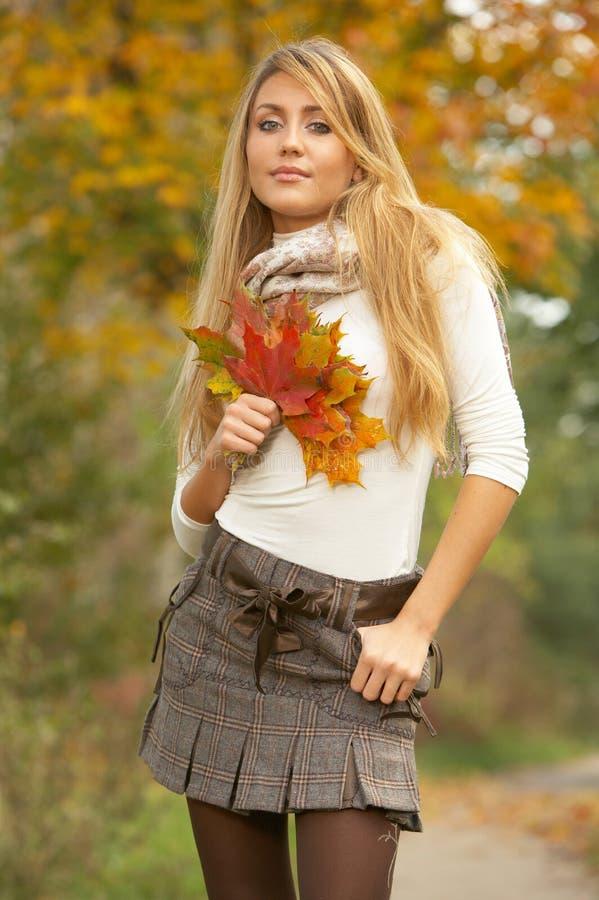 Il suo autunno! 2 immagini stock