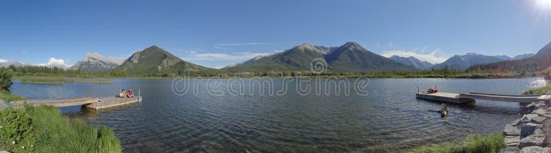 Il supporto Howard Douglas trascura il lago superiore vermilion fotografia stock