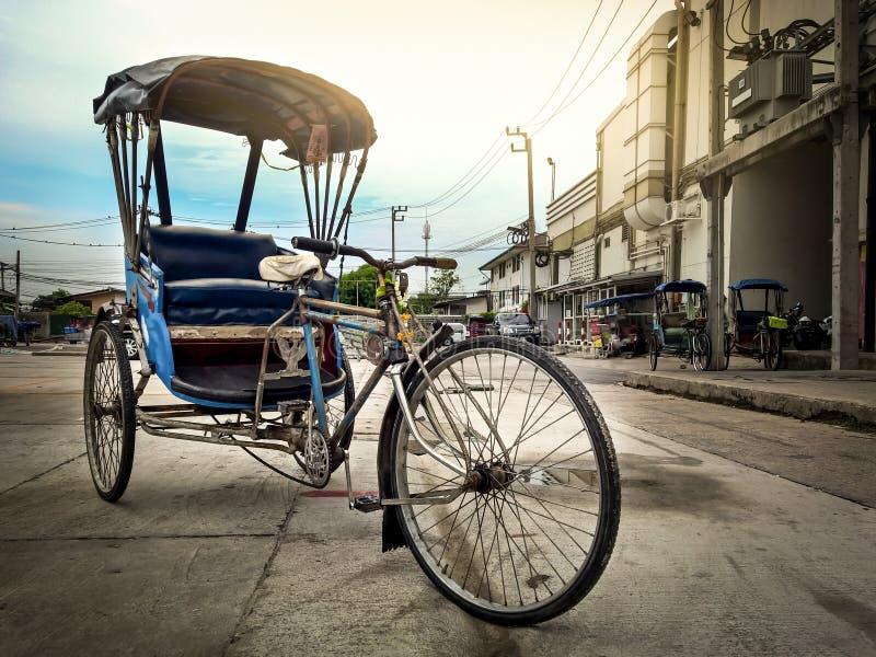 Il taxi d'annata del triciclo immagine stock