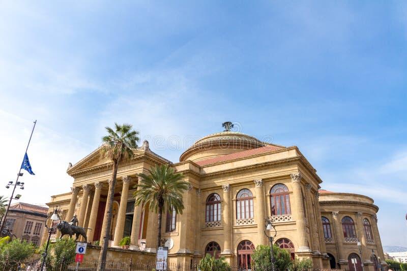 Il Teatro Massimo a Palermo, Italia immagine stock
