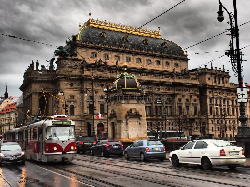 Il teatro nazionale di Praga è un teatro della Repubblica ceca Edificio teatrale di Neo-Renaissance, cielo blu fotografia stock libera da diritti