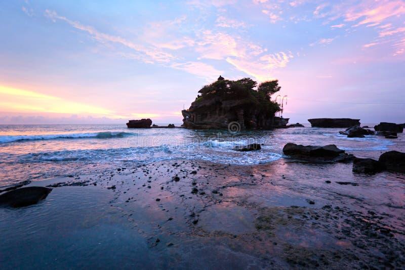 Il tempiale del lotto di Tanah, Bali, Indonesia. fotografie stock
