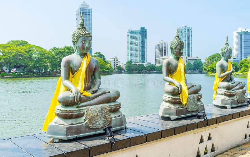 Il tempio buddista sul lago beira a Colombo immagine stock libera da diritti