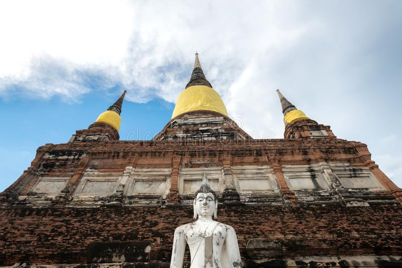 Il tempio della Tailandia - vecchia pagoda a Wat Yai Chai Mongkhon, parco storico di Ayutthaya, Tailandia immagini stock