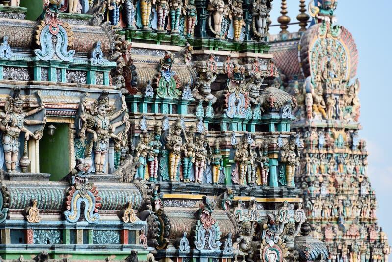 Il tempio di Madura, colora le torri maestose fotografie stock libere da diritti