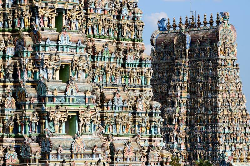 Il tempio di Madura, colora le torri maestose fotografia stock