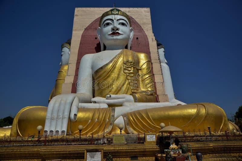 Il tempio di quattro monaci dei fronti nel Myanmar fotografia stock
