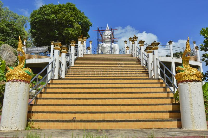 Il tempio tailandese è costruzioni immagini stock libere da diritti