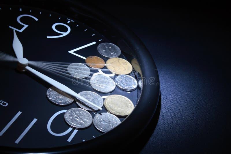 Download Il tempo è denaro fotografia stock. Immagine di finanza - 7306900
