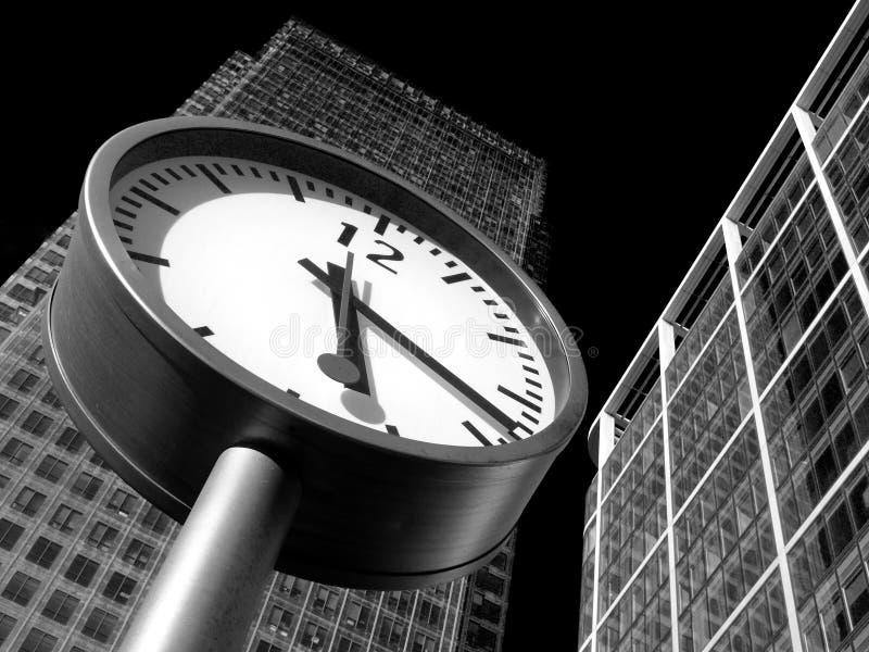 Il tempo è denaro in Canary Wharf, Londra immagini stock libere da diritti