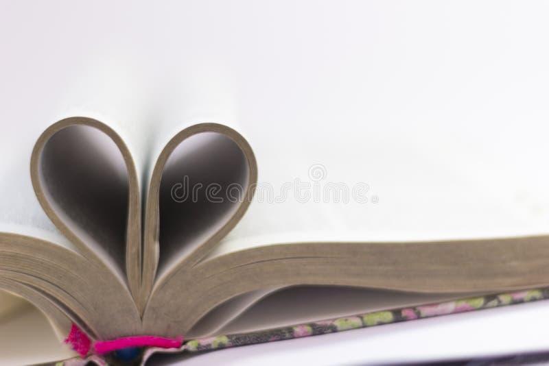 Il testo del libro proviene dalla bibbia fotografie stock