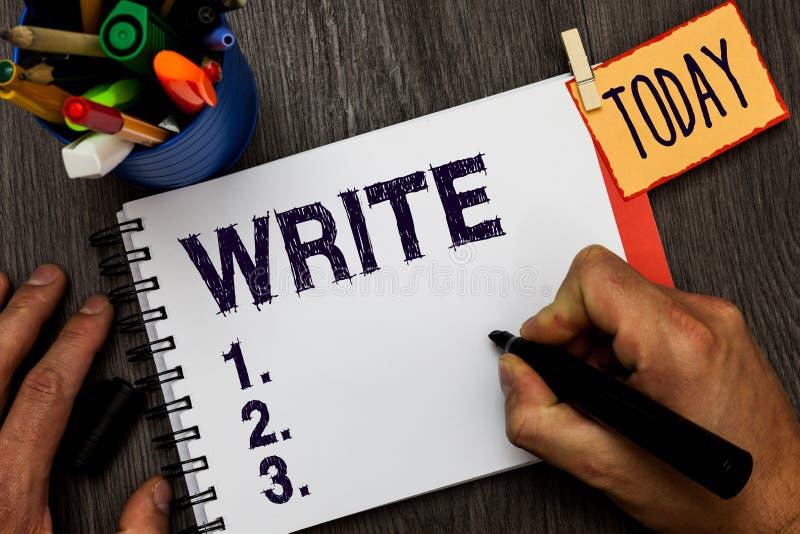 Il testo della scrittura scrive Parole o simboli delle lettere del segno di significato di concetto della superficie sulla carta  fotografie stock