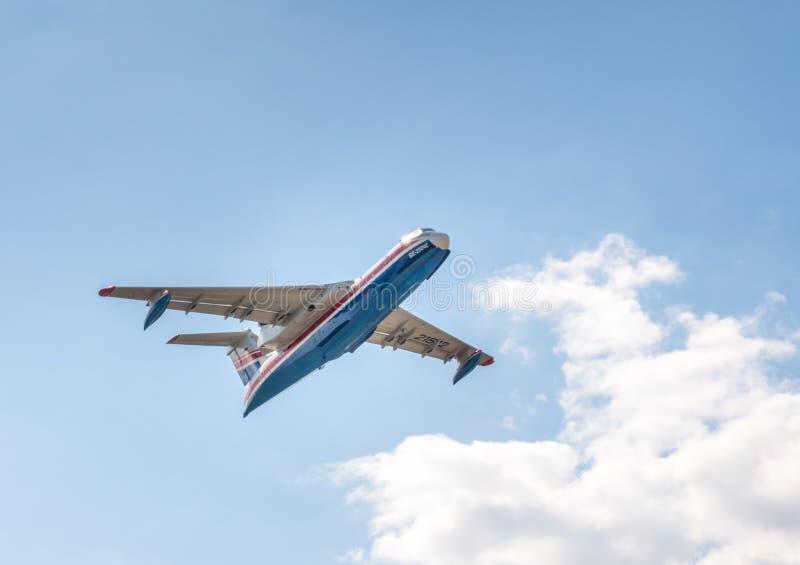 Il tipo aereo anfibio multiuso del ` dell'altair del ` di Beriev Be-200 es immagine stock