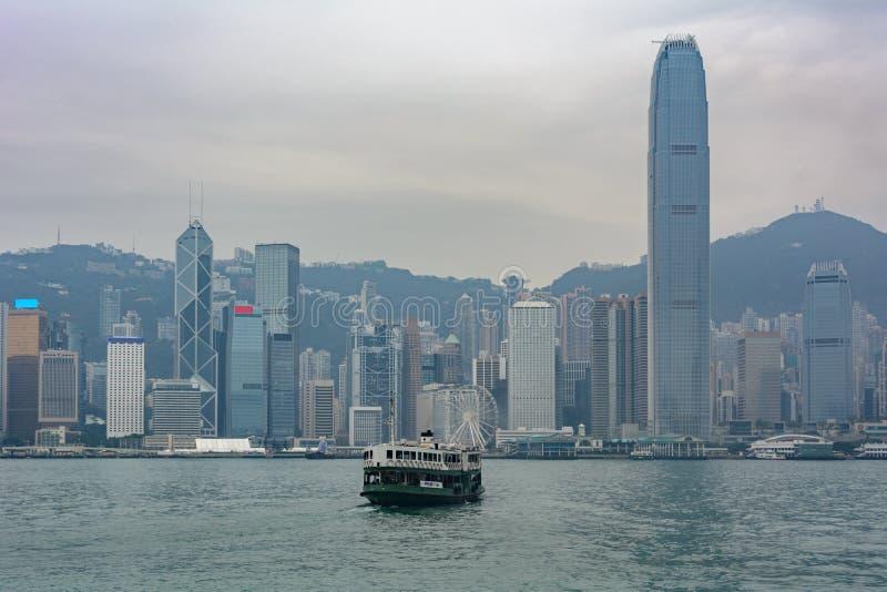 Il traghetto della stella attraversa il porto di Victoria in Hong Kong fotografie stock