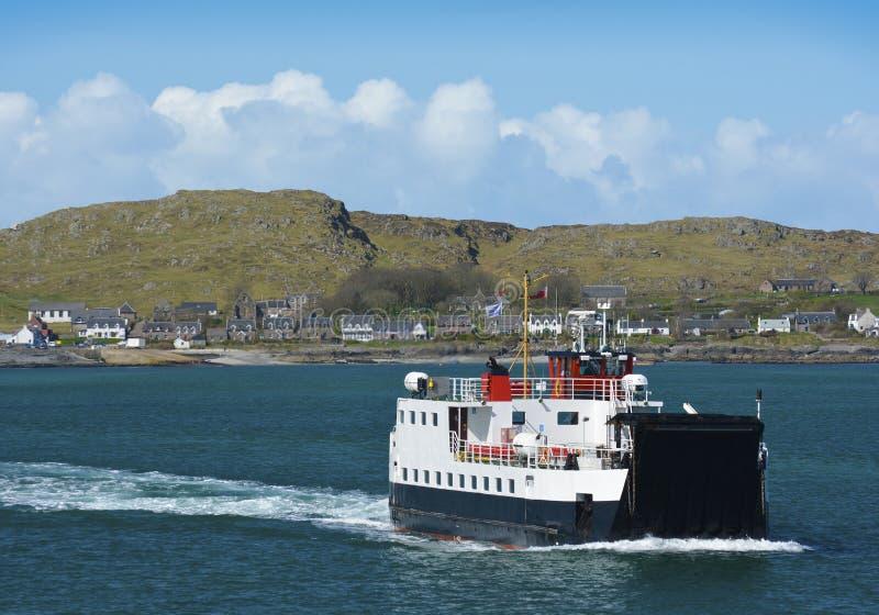 Il traghetto di ritorno da Iona fotografie stock libere da diritti