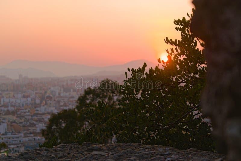 Il tramonto sulla città fotografia stock libera da diritti
