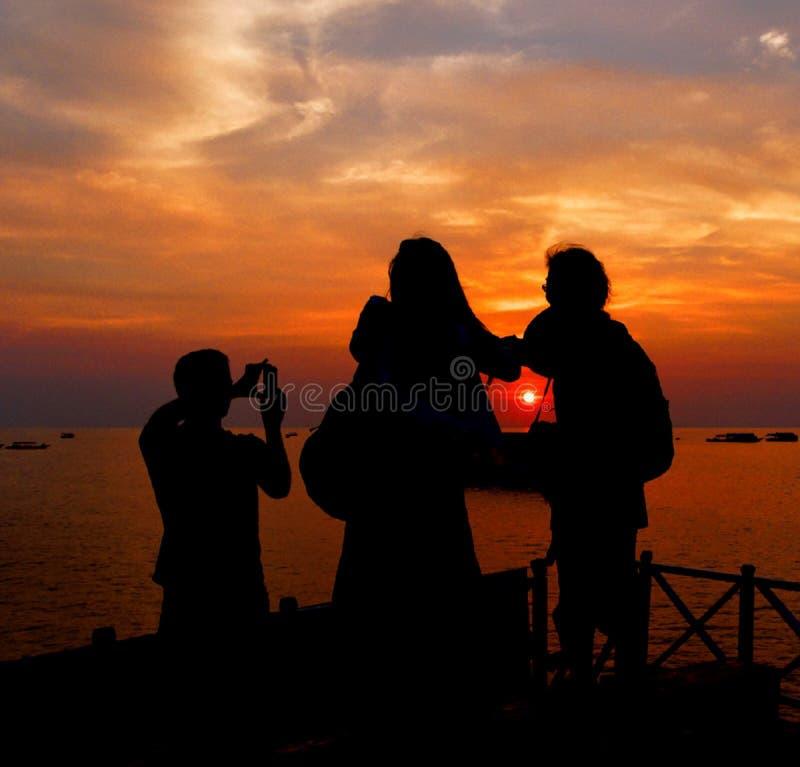 Il tramonto - Sun ottiene preso fotografie stock libere da diritti