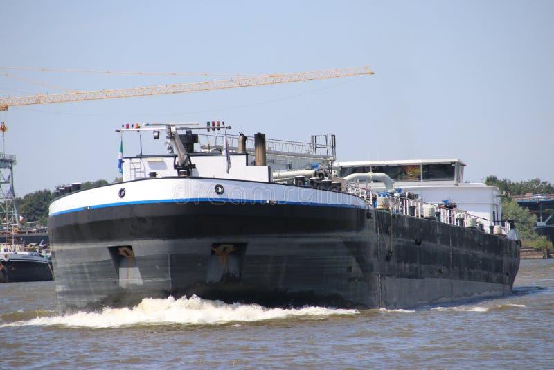 Il trasporto interno spedisce sui lek del fiume che trasportano il seafreight ai porti in Germania ed in Svizzera fotografia stock