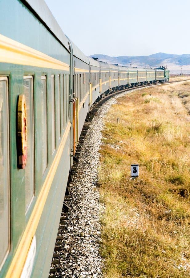 Il treno transsiberiano immagine stock