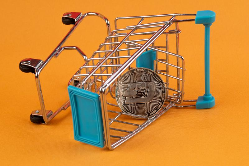 Il un poco ? un modo moderno dello scambio e questa valuta cripto ? mezzi di pagamento convenienti nel finanziario fotografie stock libere da diritti