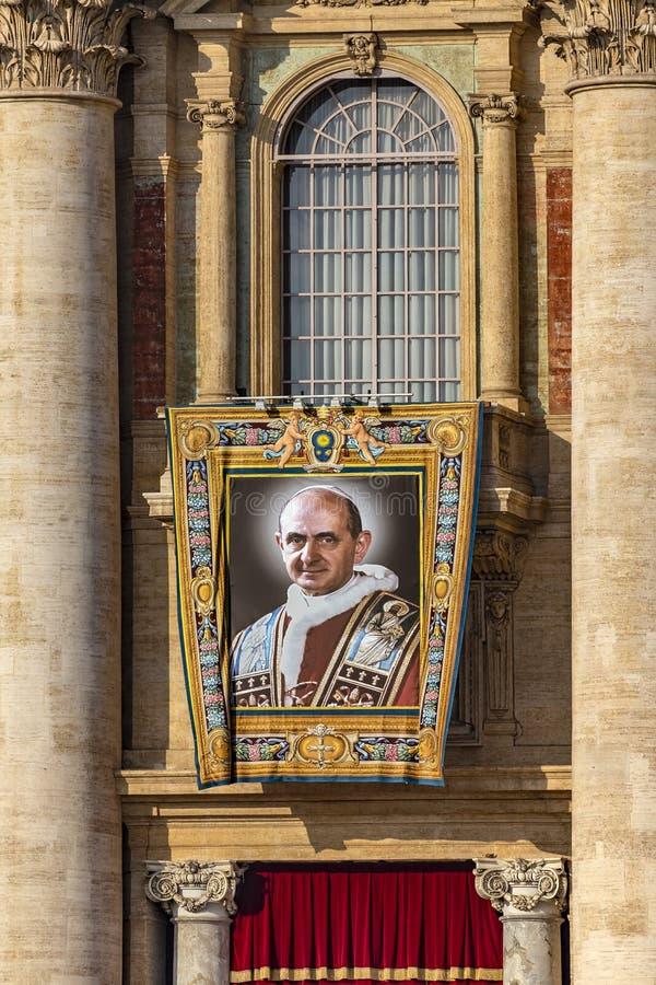 Il Vaticano, la basilica di St Peter, l'immagine di Papa Paolo VI immagini stock libere da diritti