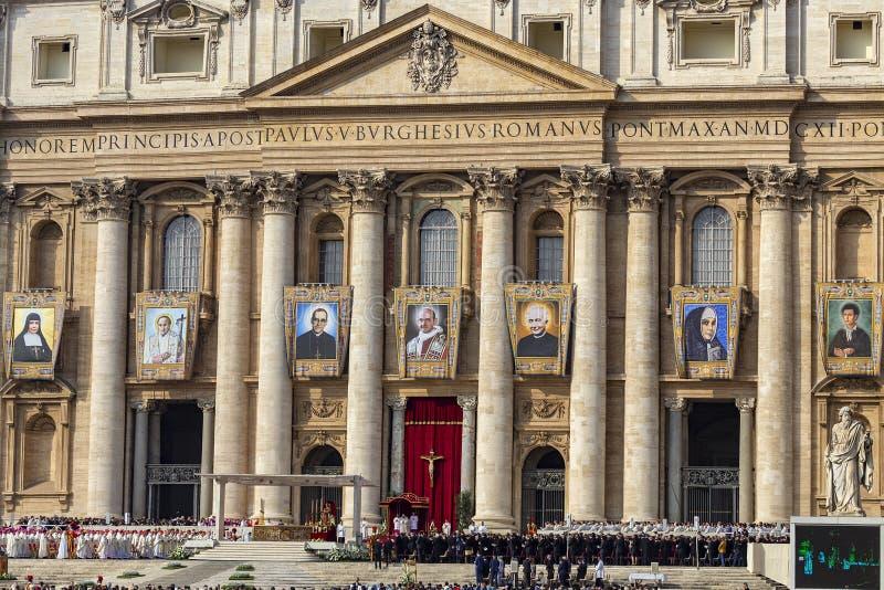 Il Vaticano, la massa di canonisation al quadrato di St Peter fotografie stock libere da diritti