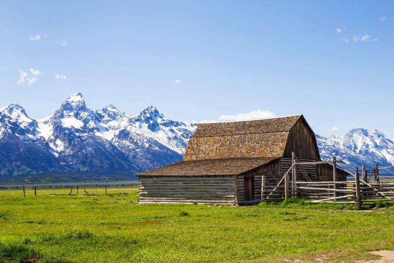 Il vecchio granaio mormonico alla fila mormonica nel grande parco nazionale di Tetons fotografie stock libere da diritti