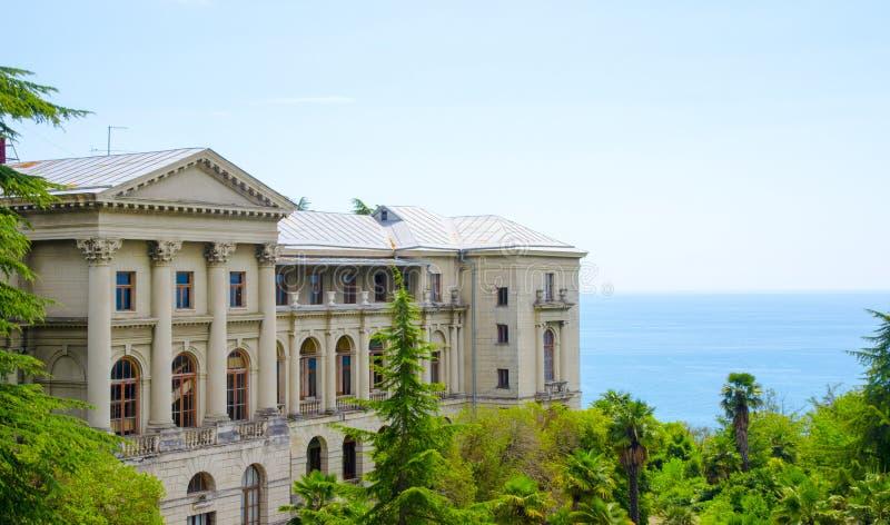 Il vecchio palazzo dal mare fotografia stock libera da diritti