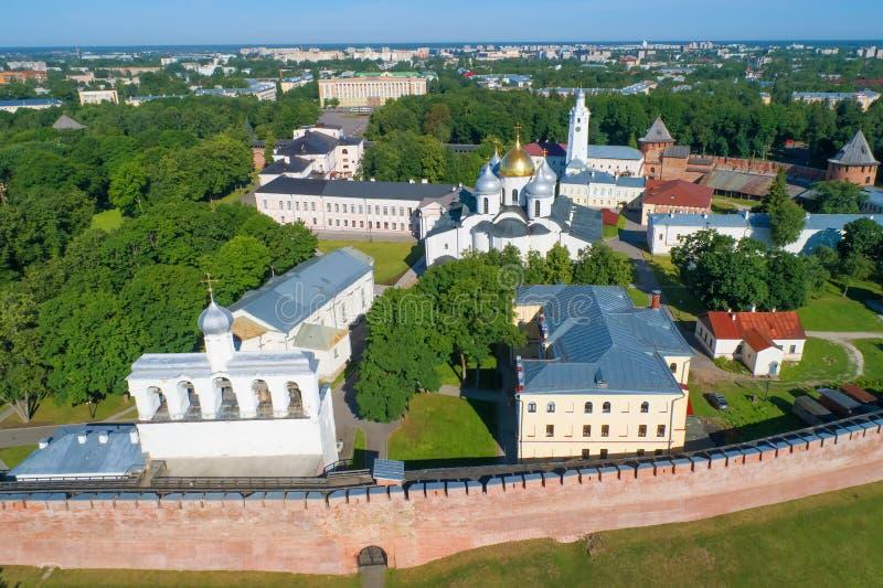 Il vecchio rilevamento aereo della st Sophia Cremlino di Veliky Novgorod, Russia immagine stock