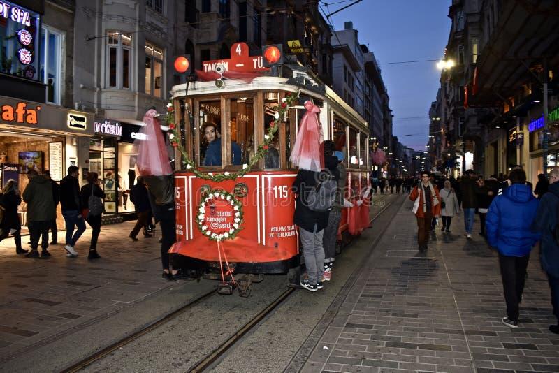Il vecchio treno della città alla città Taksim di Costantinopoli fotografia stock libera da diritti