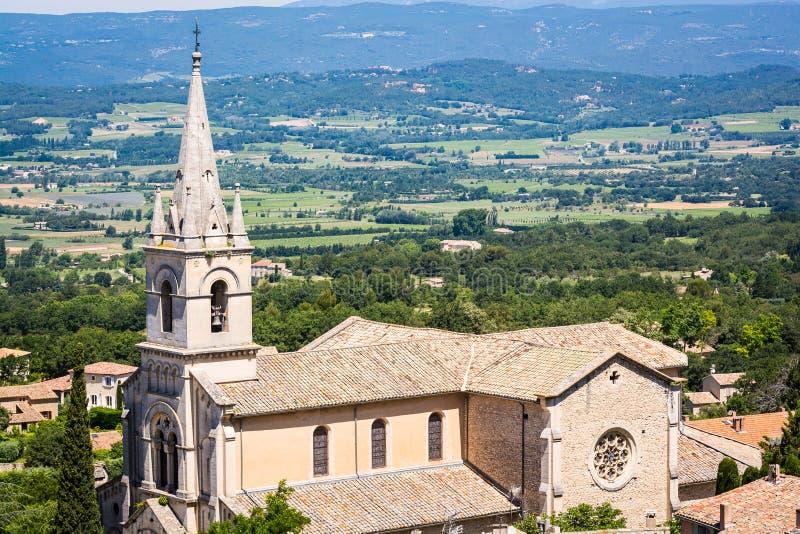 Il vecchio villaggio Bonnieux si ? situato su una collina in Provenza, Francia immagine stock