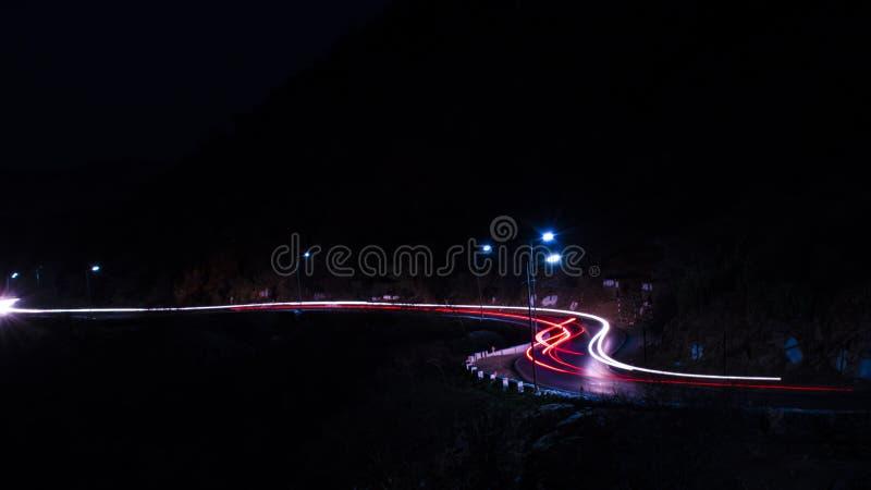 Il viaggio della luce sulla strada immagini stock libere da diritti