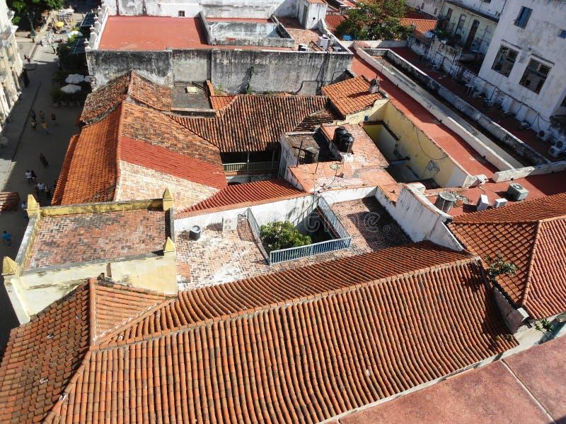 Il viaggio delle costruzioni dei tetti di Cuba piastrella le isole fotografia stock libera da diritti
