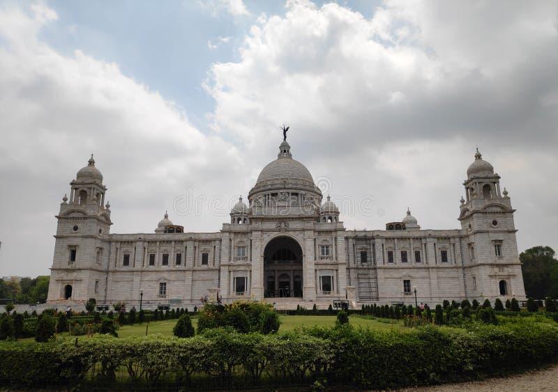 Il Victoria Memorial è un grande edificio in marmo a Kolkata, nel Weast Bengal, India fotografia stock