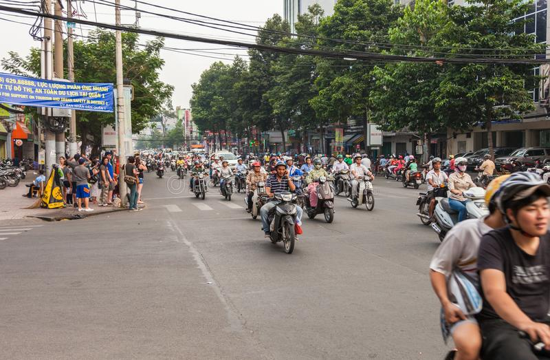 Il Vietnam, traffico della via della città di Ho Chi Minh fotografia stock libera da diritti