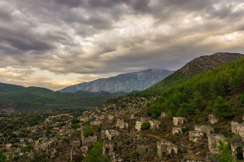 Il villaggio abbandonato di Lycian di Kayakoy, Fethiye, Mugla, Turchia Città fantasma Kayaköy, antico conosciuto come Lebessos e fotografie stock