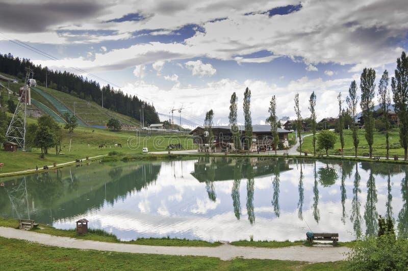 Il villaggio di Le Praz, vicino al Vanoise NP fotografie stock libere da diritti
