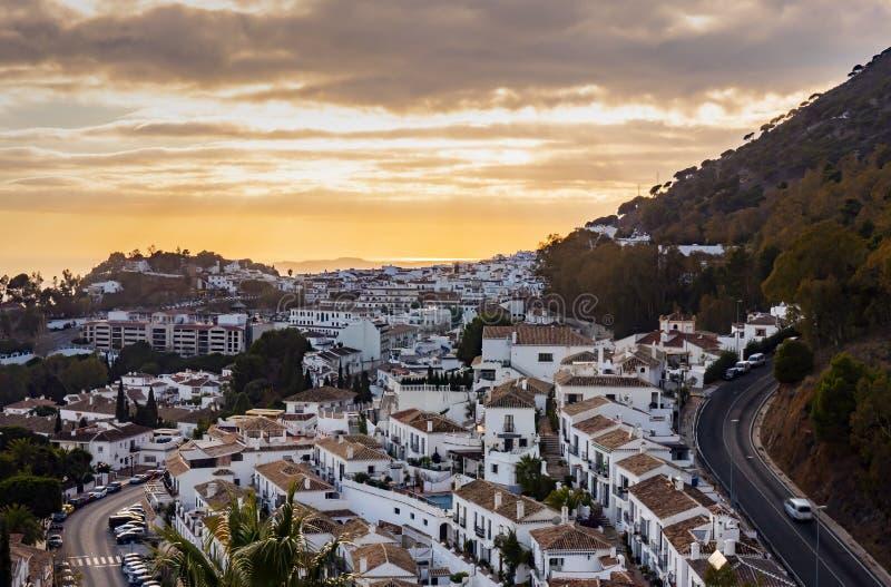Il villaggio di Mijas in Andalusia con case bianche in Spagna fotografia stock libera da diritti