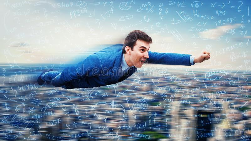 Il volo dell'uomo d'affari gradisce un supereroe fotografie stock libere da diritti