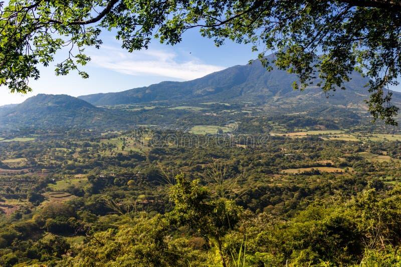 Il vulcano Chinchontepec a San Vicente, El Salvador, America centrale immagine stock libera da diritti