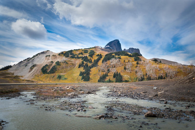Il vulcano nero della zanna rimane fotografie stock libere da diritti