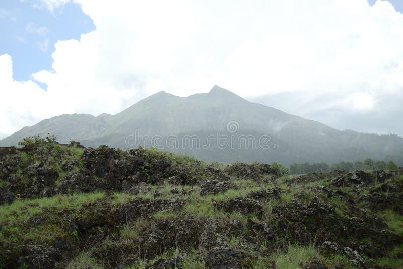 Il vulcano sull'isola di Bali fotografia stock