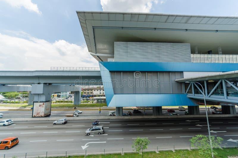 Il y a quelques ponts de lien relie le mail de loisirs de Cheras et le mail d'Eko Cheras directement ? la station de MRT Taman Mu photographie stock libre de droits
