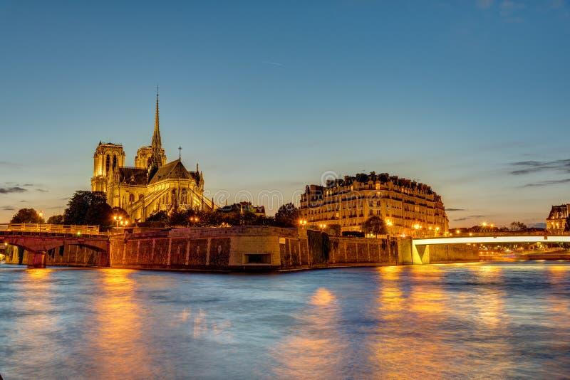 Ile de Λα Cite στο Παρίσι στην αυγή στοκ φωτογραφία