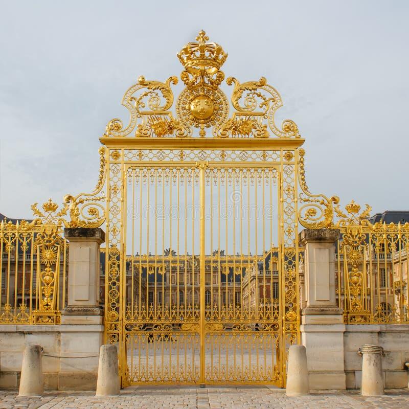 Ile de France, χρυσή πύλη του παλατιού των Βερσαλλιών στοκ φωτογραφία με δικαίωμα ελεύθερης χρήσης