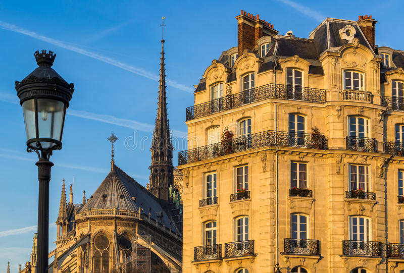 Ile de la Citera morgonsikt france paris arkivfoto