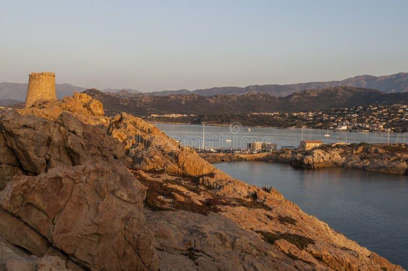 Ile De Los angeles Pietra, Kamienna wyspa, Ile-Rousse, Czerwona wyspa, Corsica, Górny Corsica, Francja, Europa, wyspa obrazy royalty free